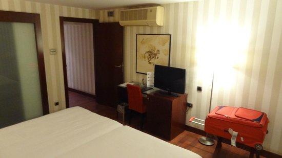 Hotel Zenit Borrell: Quarto