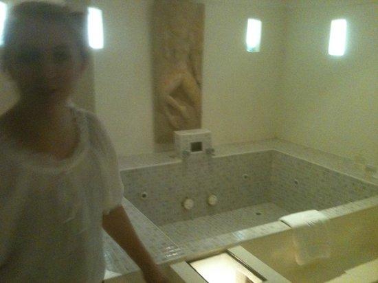 Suansawan Resort Chiang Mai: master bath