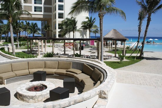 The Westin Lagunamar Ocean Resort Villas & Spa, Cancun: Fire pit