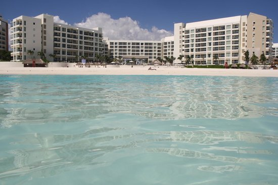 The Westin Lagunamar Ocean Resort Villas & Spa, Cancun: From water on a calm day