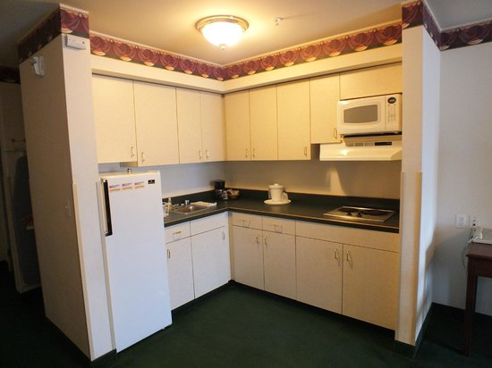 FairBridge Inn & Suites Dupont: Kitchenette, Extended Stay Suite