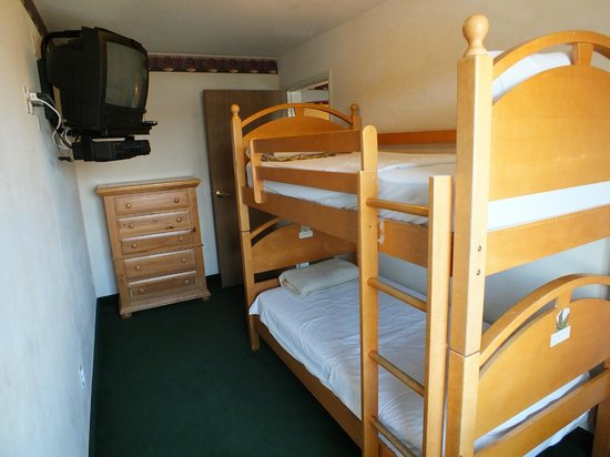 FairBridge Inn & Suites Dupont: Family Suite, Bunk Bed