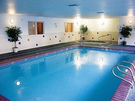 FairBridge Inn & Suites Dupont : Pool