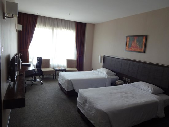 Furama Bukit Bintang: The room