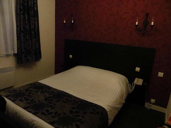 Hôtel Calme des Pins : Chambre