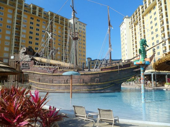 Lake Buena Vista Resort Village & Spa: ship