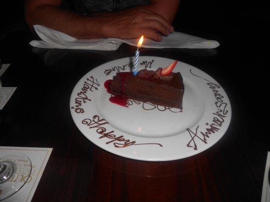 Outrigger Fiji Beach Resort: our surprise anniversary cake