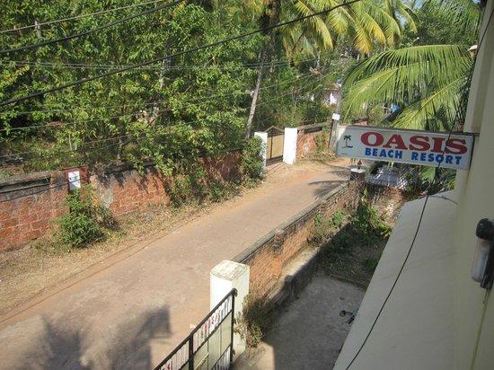 Oasis Beach Resort: Lokalgatan som är en återvändsgata