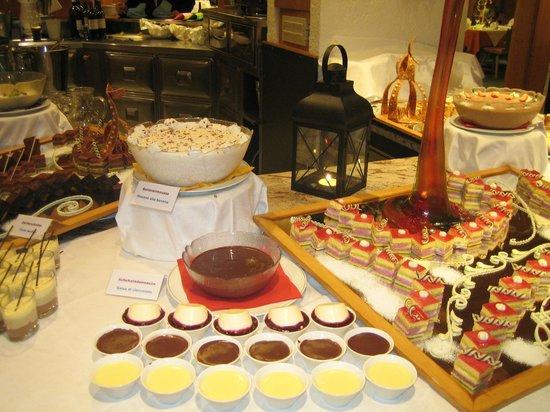 Wellness Hotel Windschar: buffet dolci sogni 3