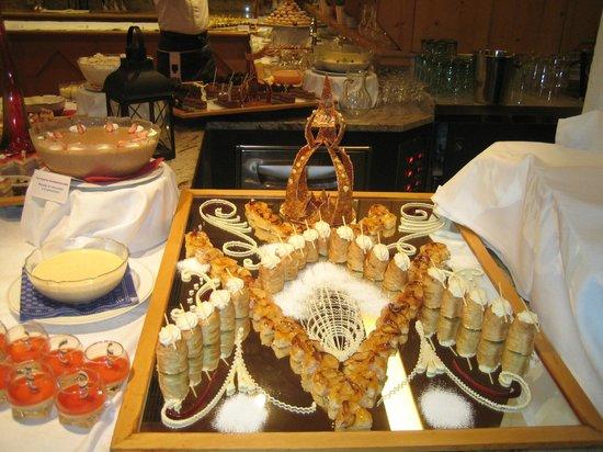 Wellness Hotel Windschar: buffet dolci sogni 1
