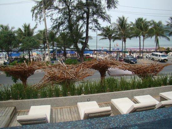 B-Lay Tong Phuket: Pool view
