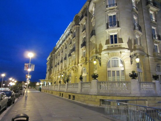 Hotel Maria Cristina, a Luxury Collection Hotel, San Sebastian: Night