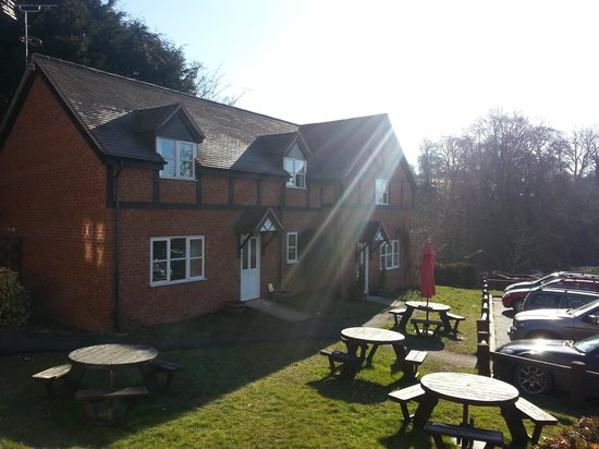 The Crown At Hopton: lovely cottage accommodation