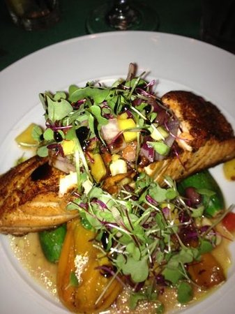 LuLu's at The Thompson House : steelhead salmon