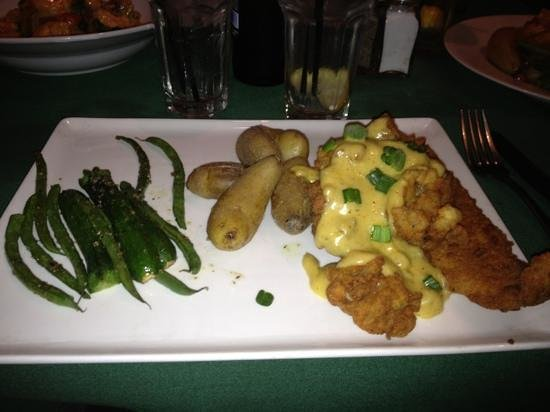 LuLu's at The Thompson House : fried flounder with Tasso hollandaise and fried oysters