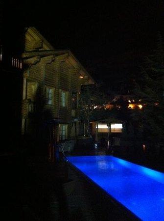 El Lodge: vista desde habitación 1 de la piscina