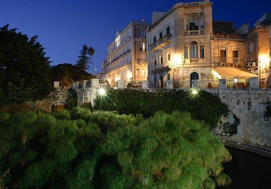 Caffe ortigia siracusa ristorante recensioni numero di for Hotel del santuario siracusa