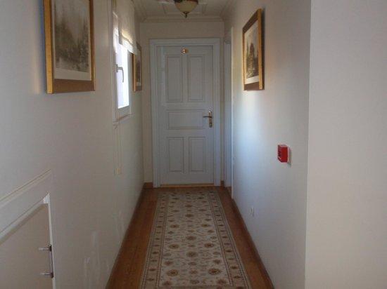 Hotel Darussaade Istanbul: corridoio