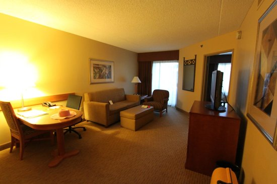 Suite Between Sitting Room And Bedroom Picture Of Embassy Suites By Hilton Phoenix Scottsdale