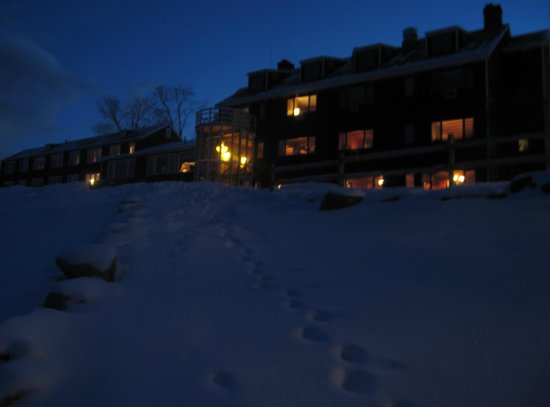 The Mountain Top Inn & Resort: Back of Inn at night.