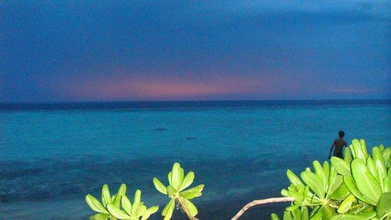 Asdu Sun Island: Water