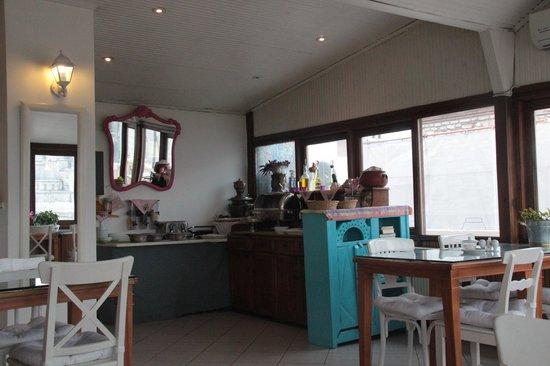 Hotel Turkoman : La terrazza (nello specchio la moschea blu...)