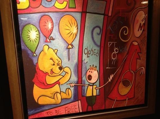 Hotel Bristol : brilliant art work!