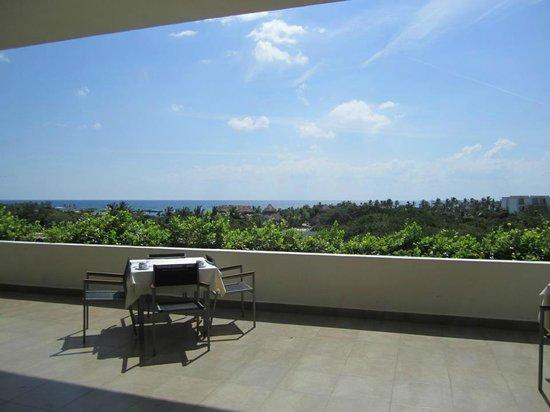 Grand Sirenis Mayan Beach Resort & Spa: vu de la salle à manger (buffet principal)