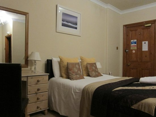Rokeby Guest House: room