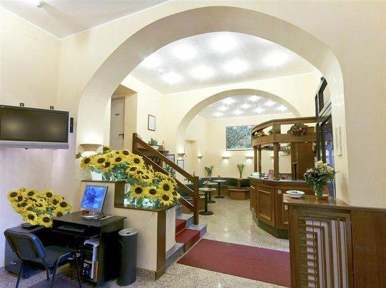 Hotel Pavone: hall
