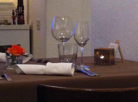 Les Toiles: La table