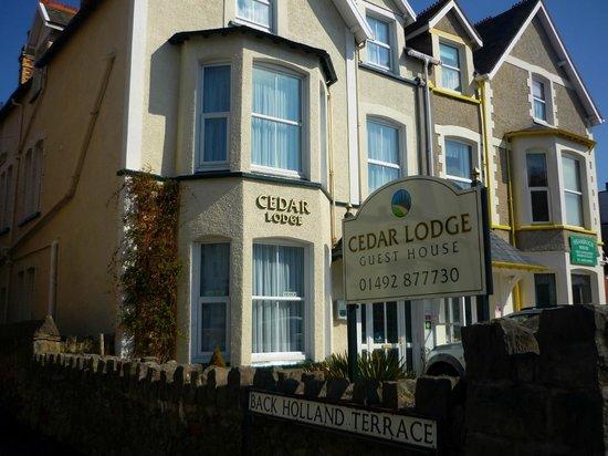 Cedar Lodge Guest House, Llandudno