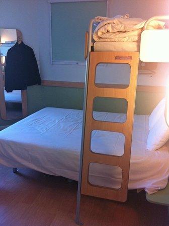 Ibis Budget Honfleur: Room 315 Double + bunk