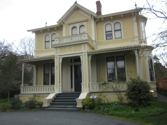Emily Carr House : The beautiful home
