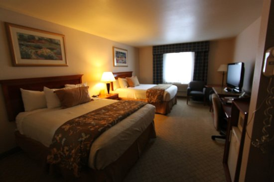 Best Western Plus High Sierra Hotel: Inside room