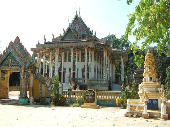 Wat Ek Phnom: tempel