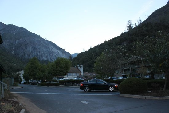 Yosemite View Lodge: Outside