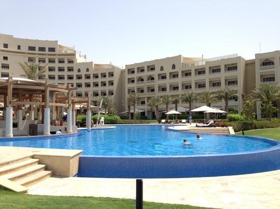 Sofitel Bahrain Zallaq Thalassa Sea & Spa: pool