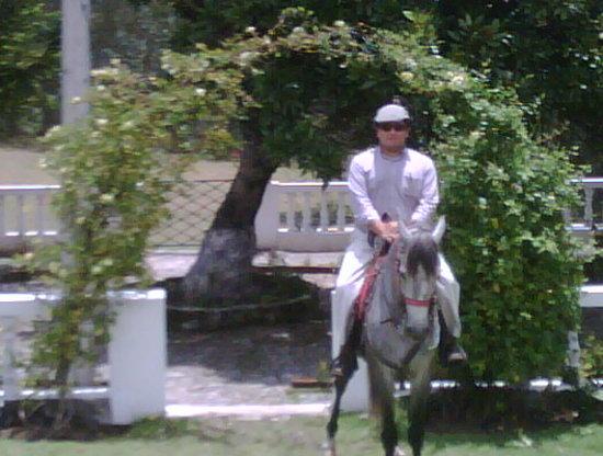 Hacienda San Isidro de Iltaqui: A Caballo