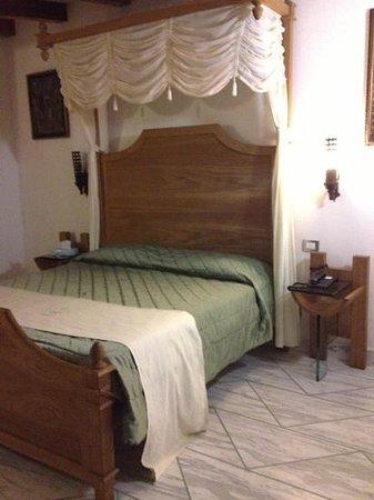 Antico Casale Russo: stanza terzo piano