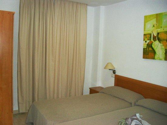 Apartamentos Turisticos Canos de Meca: Dormitorio