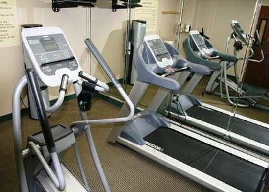 Hampton Inn Houston Baytown: Fitness Center with Cardio Machines