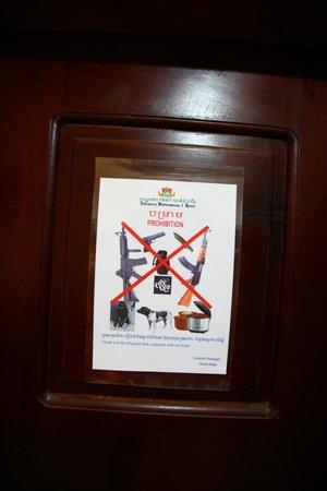 The Khemara Battambang I Hotel: porte de la chambre
