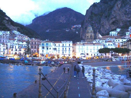 Hotel Fontana : Amalfi dusk from the jetty