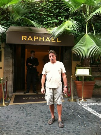Hotel Raphael - Relais Chateaux: Entrance