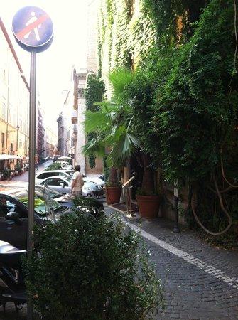 Hotel Raphael: Exterior