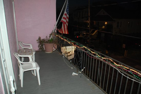 New Orleans Guest House: Balcony