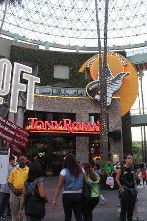 Tony Roma's: outside at the citywalk