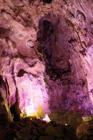 Grottes de Thouzon : La cheminée
