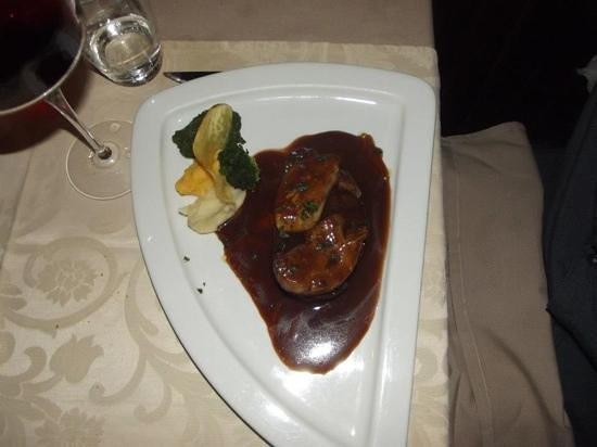 pavet de boeuf avec son foie gras po l et sa r duction au. Black Bedroom Furniture Sets. Home Design Ideas